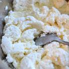 Сыр у меня получился очень нежным и мягким,чем то похож на обычный вкус творога,но без особой кислинки. По рецепту должно было получиться 400 граммов, как мне нужно было, но у меня вышло 320 г, в принципе тоже неплохо, и я немного изменила кол-во ингредиентов под свой сыр)))
