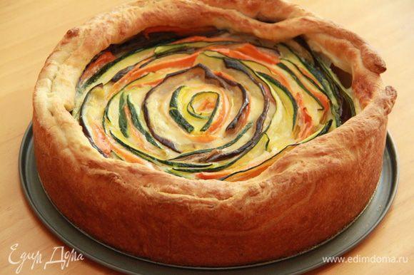 Подавать тёплым. Хрустящее тесто, нежные овощи и сливочный соус - что может быть вкуснее!