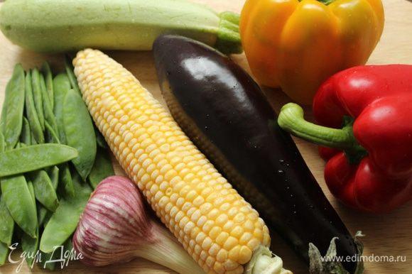 Набор овощей может быть различным... Я исходила из того, что было в моем холодильнике... Очень обрадовалась обнаруженному в морозильной камере початку кукурузы)))))))))))))))