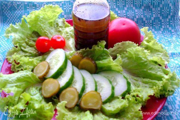 Рецепт масла : http://www.edimdoma.ru/retsepty/56467-dushistoe-gribnoe-maslitse-dlya-salatov