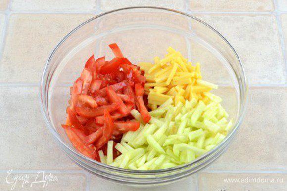 Сложить все в салатник.
