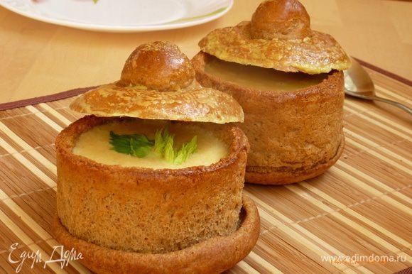 Далее все просто, наливаем суп по горшочкам и подаем к столу! Приятного аппетита!