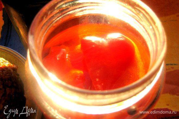 Маринованный перец можно приготовить круглый год, например, по такому рецепту: http://www.edimdoma.ru/retsepty/59946-marinovannyy-perets