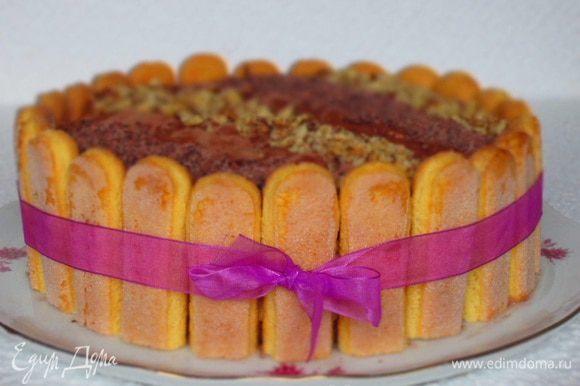 Аккуратно разрезать на порции и наслаждаться кусочком Италии на вашей тарелке. Приятного аппетита:)