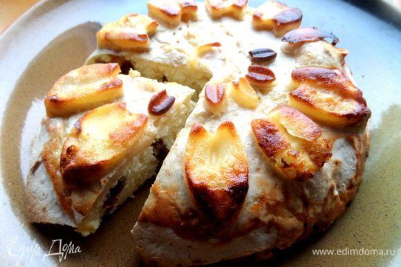 """А вот, кому интересно, Наташин """"Мятый пирог"""", я его тоже делала и он мне понравился))) http://www.edimdoma.ru/retsepty/64252-myatyy-tvorozhnyy-pirog-s-lavashom Только у меня он тут перевернутый, пекла в силиконовой форме!"""