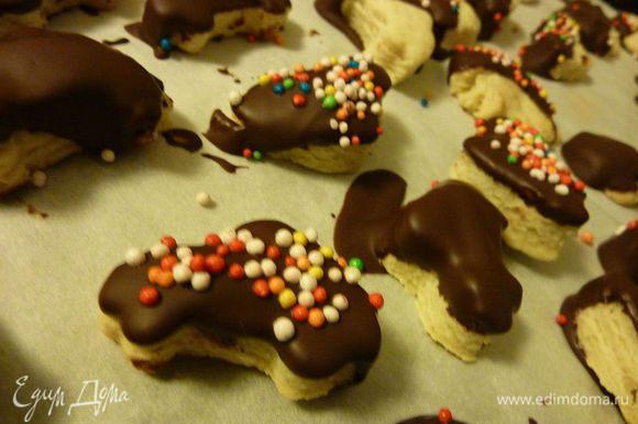 Печенюшки - от marysa у нас с сыном приобрели форму машинок, чудные печенки, очень всем понравились и быстро разлетелись. http://www.edimdoma.ru/retsepty/62871-pechenyushki