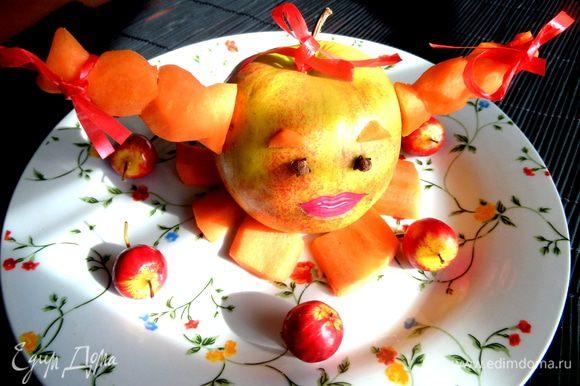 А это девочка-яблочко с морковными косичками, которую придумала для фото-конкурса...