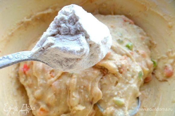 Если видно,что тесто не сильно густое и растекается,добавьте ложку муки,так как в шоколадных вафлях густоты добавляли какао и кокос)))