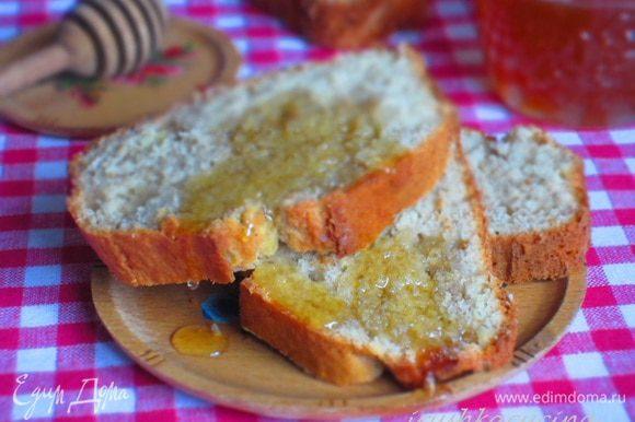 Подавать с мёдом или кленовым сиропом. Приятного аппетита:)
