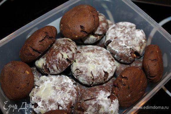 Хранить их можно в герметичной коробочке около недели. Я попробовала ещё сделать без сахарной пудры, тоже прекрасно на внешний вид, про вкус итак понятно!