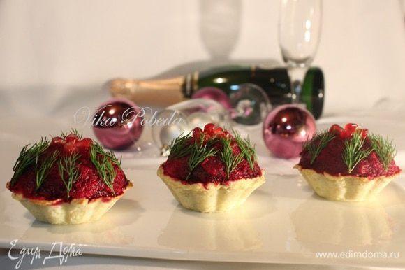 Готово!! Ставим салатик в холодильник дожидаться праздника!!