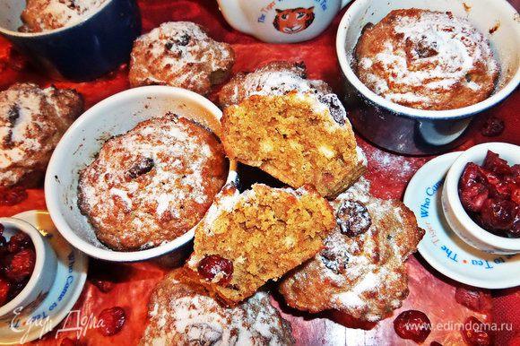 По вкусу как кексы, в разрезе похожи на кексовую структуру и очень вкусные, но это зависит от вкуса печенья!