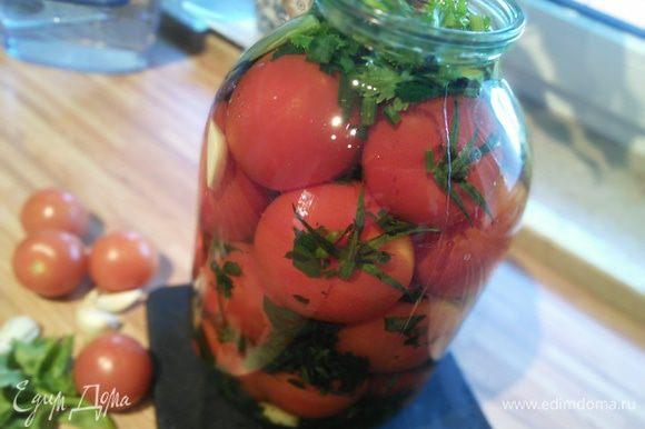 Через несколько недель ароматные помидоры готовы к употреблению. Закусон мировой. Приятного аппетита!