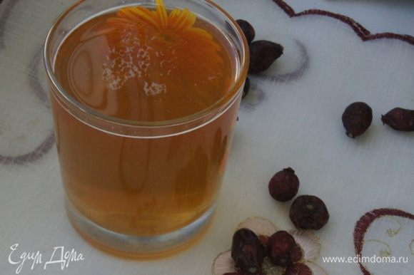 Пить такой напиток можно и в теплом, и в холодном виде.