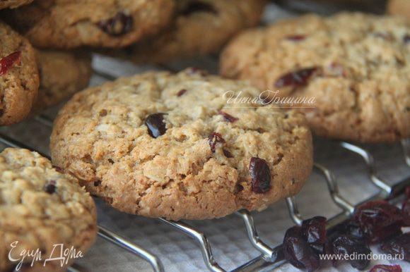 Печенье мягкое, ароматное, в составе явно чувствуется кокос и овёс. Приятного чаепития!