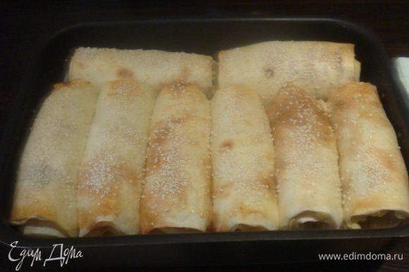 Запекать в заранее разогретой духовке до 200°C 20-25 минут до золотистого цвета.