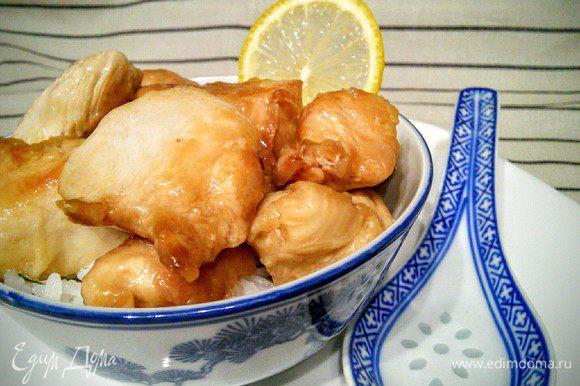 В конце рецепта и ужина хочется добавить, что мне не хватило немного типичной для азиатской кухни остроты. Поэтому в следующий раз я добавлю кусочек перца чили :)