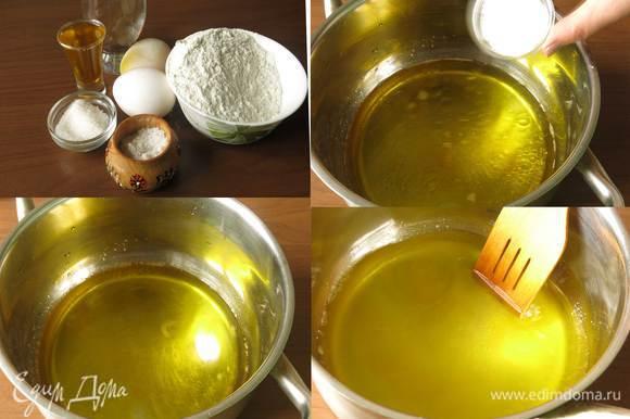 Для теста подготовим яйца, муку, соль, сахар и масло льняное, рекомендую использовать Biolio. Соединяем воду, масло, добавляем сахар, соль, ставим кипятить, постоянно помешиваем.