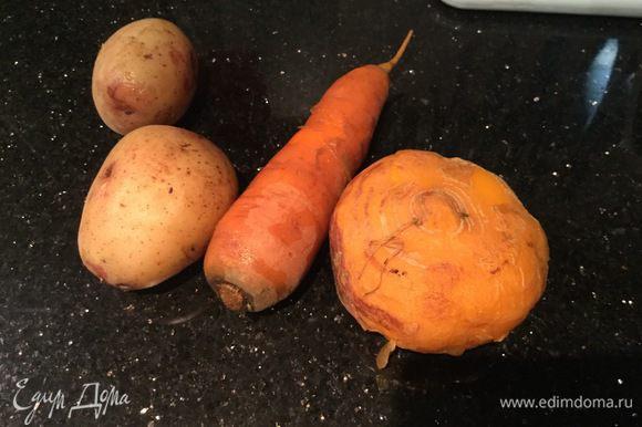 Репу, морковь и картофель заранее отварите.