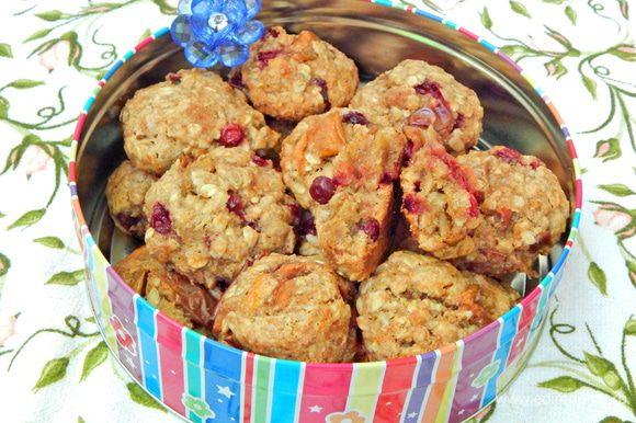 Печенье остудить и переложить в вазочку. Угощайтесь вкусным и полезным печеньем!