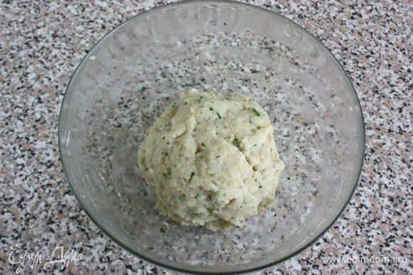 Если «тесто» слишком жидкое, можно добавить хлебные крошки. Уже на этом этапе запах очень аппетитный!