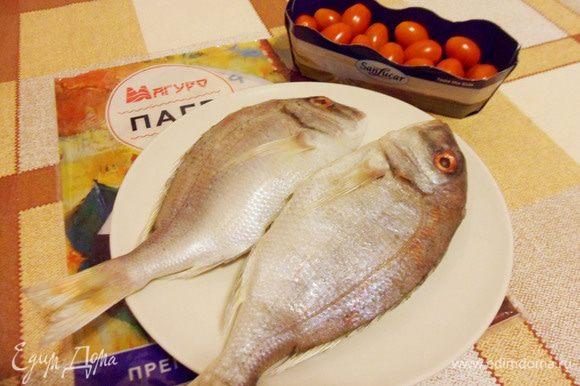 Рыбу почистить, выпотрошить. Разделать до филе. Выбрать косточки.