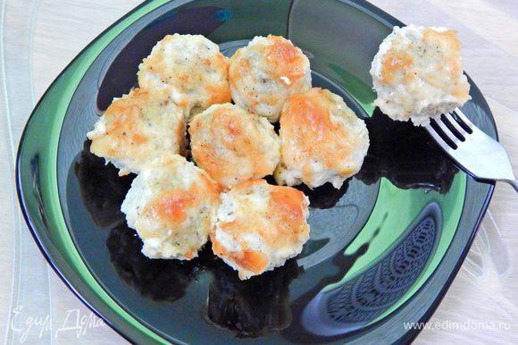 Вкусные фрикадельки из минтая готовы. Подавать с картофельным пюре или рисом. Приятного аппетита!