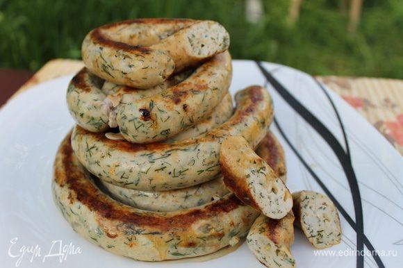 Подавайте колбаски со свежими или запеченными овощами. Приятного аппетита!