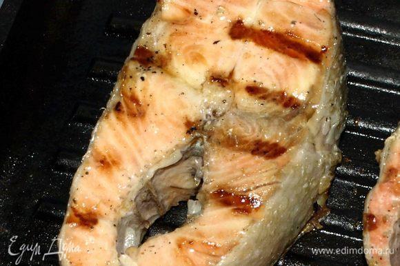 Яссу можно подавать любым способом. Можно рыбу соединить с луком, можно подать отдельно.