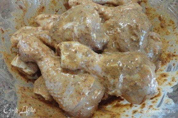 Мариновать куриные голени не менее 4-6 часов.