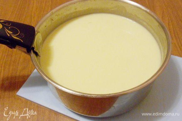 Перемешать и прогреть суп до полного растворения сыра.