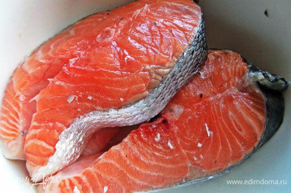 Рыбные стейки нужно замариновать заранее, если хотите быстрый ужин.