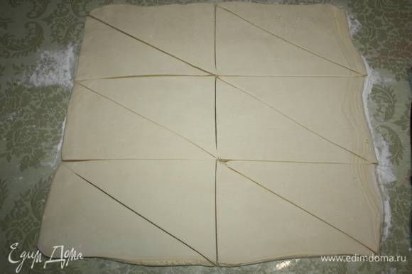 И далее разделите каждый прямоугольник так, чтобы получились треугольники.