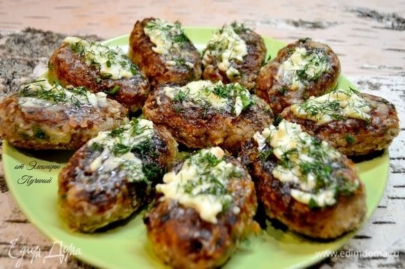 Вот такие вкусные котлеты из гречневой каши вдогонку на ужин.