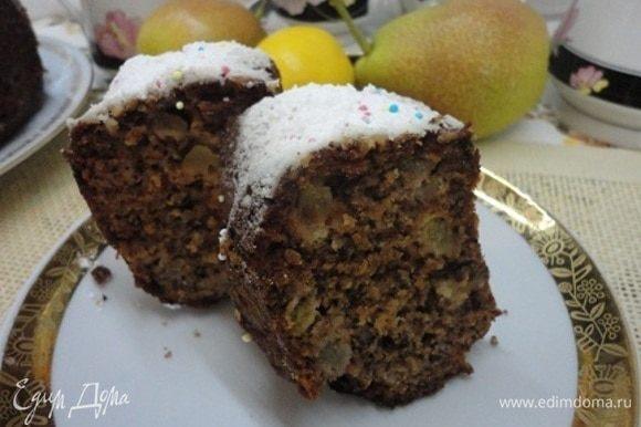 Вот такой орехово-грушево-лимонный пирог с нежной структурой и хрустящей ореховой корочкой.