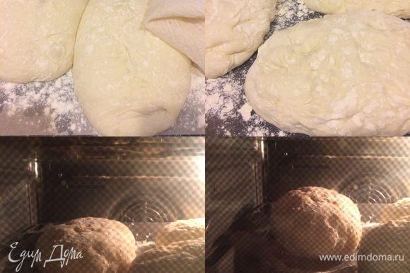 Пока тесто подходит, в духовку положить противень, на котором будем выпекать наш хлеб, и нагреть ее до 230°С. Спустя указанное время быстро достать противень из духовку, посыпать мукой, переложить наш хлеб на противень швом вниз и быстро отправить в духовки. Выпекать с паром 20–30 минут. Посмотрите, как хлебушек вырос в духовке))