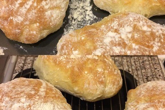 Готовый хлебушек достать и полностью остудить на решетке 1–2 часа.