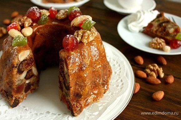 Желательно выдержать пирог в течение суток.