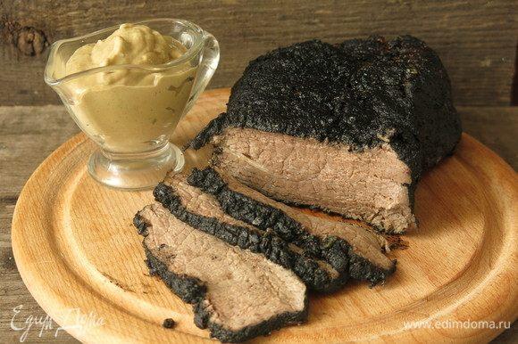 Для обоих вариантов мяса соус из тунца идеально подходит. Не знаю, что произвело большее впечатление — кровавый ростбиф охлажденный или этот необычный соус. Попробуйте! Приятного аппетита!