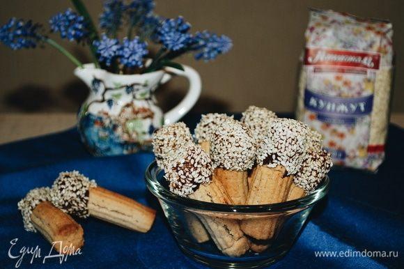 Ореховое печенье с кунжутом готово. Приятного аппетита.