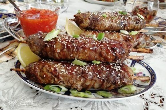 Кебабы прекрасно сочетаются с домашней аджикой. Приятного аппетита!