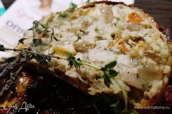Сочнейшая и вкуснейшая начинка из курицы и грибов. Приятного аппетита!