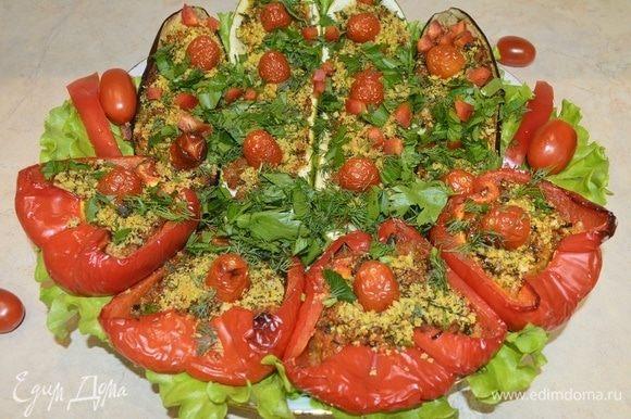 Запеченные овощи с начинкой в сухарях по-итальянски готовы. Приятного аппетита!