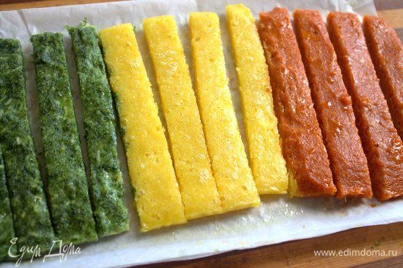 Нарезать полосками, когда тесто остынет.