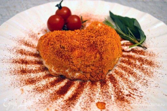 Запанировать тартюфо в крошке из фокаччи и можно подавать этот ароматнейший томатный шедевр с пикантной начинкой, пропитанный духом Италии, к столу. Приятного вам аппетита!