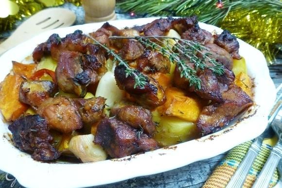 Вкуснейшая картошка с мясом и тыквой готова! Поверьте, это очень вкусно! Веселых и сытных вам праздников!