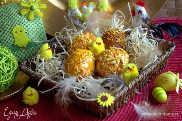 Эти яйца не годятся для перевозки, в отличие от предыдущих кофейных. Рис обсыпается, но для дома вполне подходит.