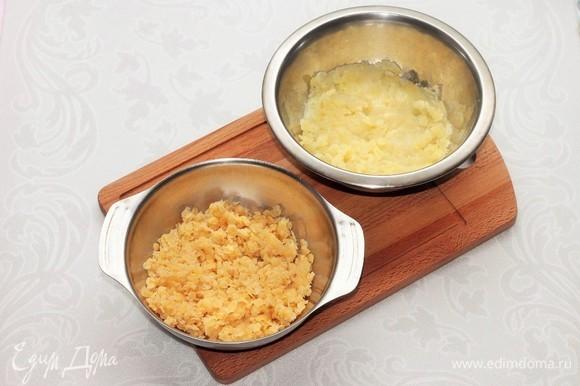 Очищенный и промытый картофель отвариваем в подсоленной воде. Добавляем мелко нарезанный и обжаренный на сливочном масле (1 ст. л.) до прозрачности репчатый лук, 2 ст. л. горячего молока и пюрируем. Чечевицу отвариваем по инструкции.
