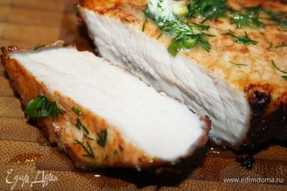 Разрез. Мясо очень сочное. Главное, не передержать на мангале!