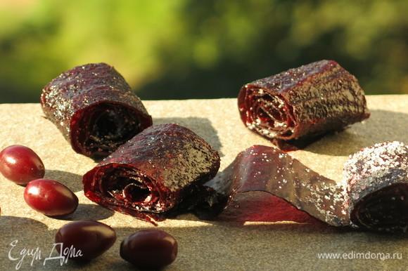 Нарезаем. Приятного аппетита! P. S. На косточках и остатках можно сварить легкий компот.